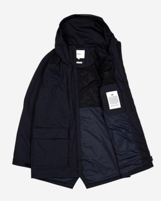 Makia Shelter Jacket Tummansininen