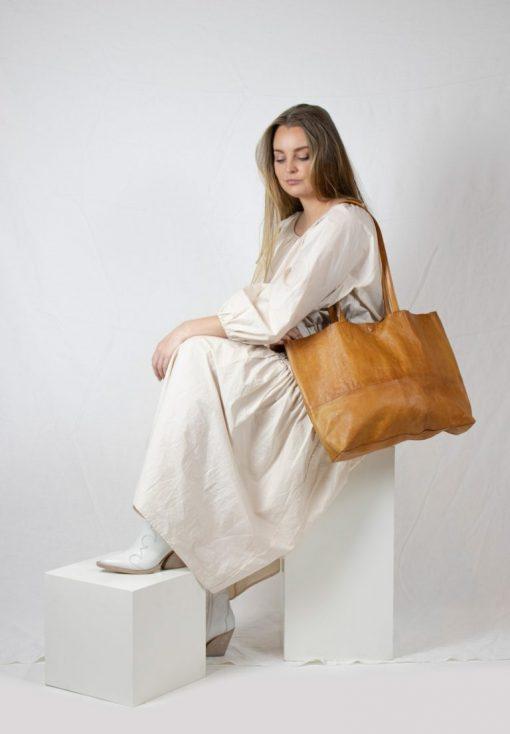 RE:DESIGNED Marlo Urban Large Bag Tan
