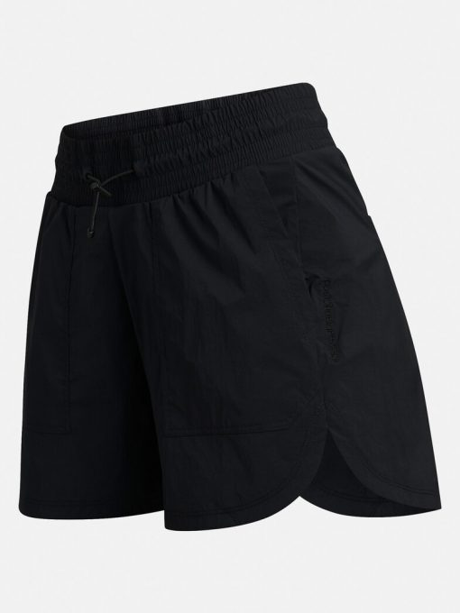 Peak Performance Hit Shorts Black