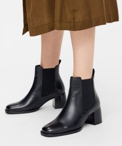 Bianco Biadalya Chelsea Boot Black
